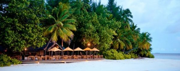 Angsana-Ihuru-beach-1-620x245